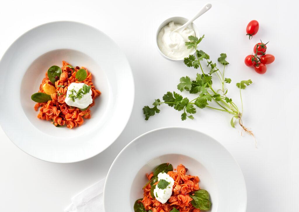 Rote Linsen-Pasta auf marokkanische Art